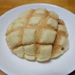 久栄 - メロンパン(180円)