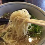 じゃんまるらーめん - 2016.10.21  細麺がまたこのまろやかなスープに合うんだなぁ〜*\(^o^)/*