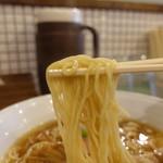 57811051 - 麺アップ