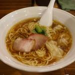 57811053 - 醤油ワンタン麺