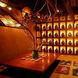 沖縄出身のトップ建築デザイナーが創り上げた沖縄的隠れ家個室