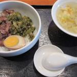 57815036 - 店では「台湾丼」となっているけれど魯肉飯ですね