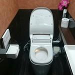 57820392 - 綺麗なトイレ