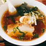 八洲ラーメン - 料理写真:しょう油ラーメン。ちょっと麺が柔らかめですが、美味しいです。