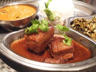 タイ料理 あろいなたべた - ムー・ホン