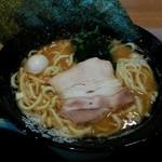 57827053 - 「ラーメン」醤油豚骨 680円