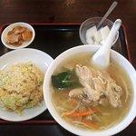 金龍園 - 鶏絲麺セット