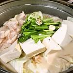 Yakinikumotsunabekotetsuhonten - もつ鍋