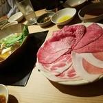 57837821 - 和牛(トモ三角,カメノコ,ミスジ) 幻の豚(バラ,肩ロース)