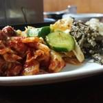 長浜 玄風館 - ナムル盛り合わせ☆☆600円 4種ボリュームあるけど、止まらない!サンチェにお肉と一緒に巻いて食べても!