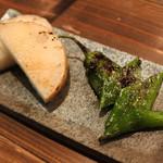 牛串萬の - 野菜焼き。 長芋、万願寺とうがらし。 お肉だけでなく、お野菜も新鮮で美味しいです。
