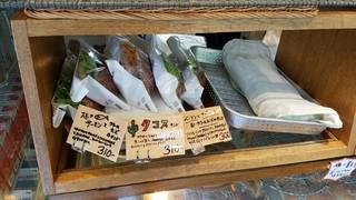 関口ベーカリー - 朝10時過ぎの様子 2016.10