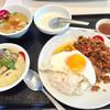 TINUN - 料理写真:ガパオライスとグリーンカレーのセット