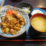 57856008 - ランチ限定の焼鳥丼 980円