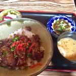 てぃんさぐぬ花 - ラフテー丼