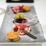 メイ - 夏鹿と実山椒?のケークサレ パルマ産サラミ オリーブ