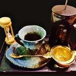 57863873 - 『ブレンドコーヒー』(600円)!!砂時計をみて、時間がきたら自分で淹れるコーヒー~♪(^o^)丿