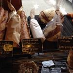 アガタ ベーカリー - 味わい深いフランスパン