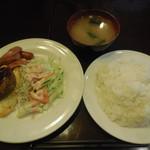 暖母 - ダンボランチ ¥590-