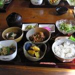百年邑 - 邑の小鉢御膳