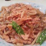 美寿寿 - 豚肉とザーサイ細切り焼きそば850円