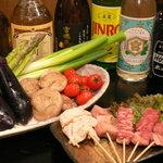 串ホルモン 徳 - 料理写真:激旨ホルモン・新鮮野菜・各種お酒