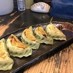 57870232 - ヨシベー焼餃子と餃子型の楊枝入れ