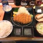 のもと家 - 厚切りロースカツ定食                             (240g)  2400円