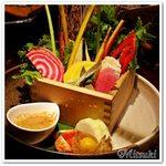 57873026 - 野菜ソムリエの荻山さんが選ぶ 生野菜盛り合わせ