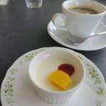 ラ・ピアンタ - ランチセットのデザートとドリンク
