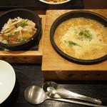 57875394 - 石焼熱々坦坦麺セット1,177円!!                       きのこと梅肉あんかけ炒飯