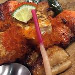 57878403 - 三味焼魚。鮭と銀鱈と陸奥。ほくほくで美味でした?