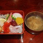 鯛八鮨 - お椀