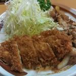 キッチン南海 - チキンカツとしょうが焼き定食(730円)を大盛(70円)です。