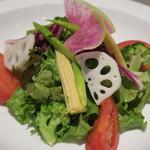 ビストロ椿 - 季節野菜のグリーンサラダ