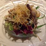57885459 - フランス産うずらのグリルと数種類のきのこのほろ苦いサラダ