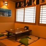 浜寿司 - 店内(小上がりテーブル)