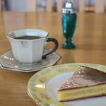ローズマリーガーデン - 料理写真:ガトー・ナンテとコーヒー