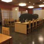 新玉亭 - 2階の店内風景