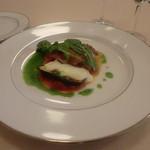 57889131 - 岩井鶏もも肉のポワレ 夏野菜ソースとモッツァレラ
