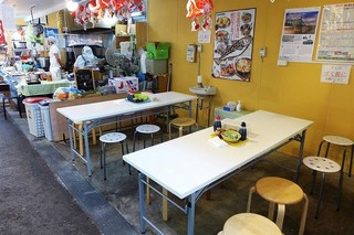 青森魚菜センター 本店 - 休憩所