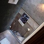 アールカフェ - 2階への階段