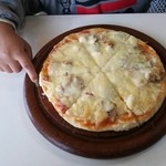 レストラン わか菜 - ミックスピザ1,000円。シーフード入り。美味い~