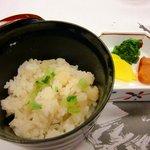 桜坂 観山荘 - 聖護院ごはん (大根入りご飯です)