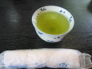 手打ち蕎麦 太郎庵 - お茶も美味しい