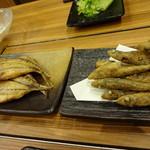 浜焼きしんちゃん - めひかりの唐揚げ480円と鯵の干物380円
