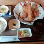 鯱 - 料理写真:エビフライと牡蠣の豆乳グラタン
