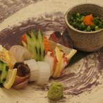 ダイニング 彩 - その日仕入れた新鮮なお魚を使ったお刺身の盛り合わせです!!