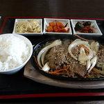 韓里家 - プルコギ定食