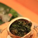 鮨 江なみ - アワビ ちょっとクリームのような味が隠し味に。分けとくチックなアワビです